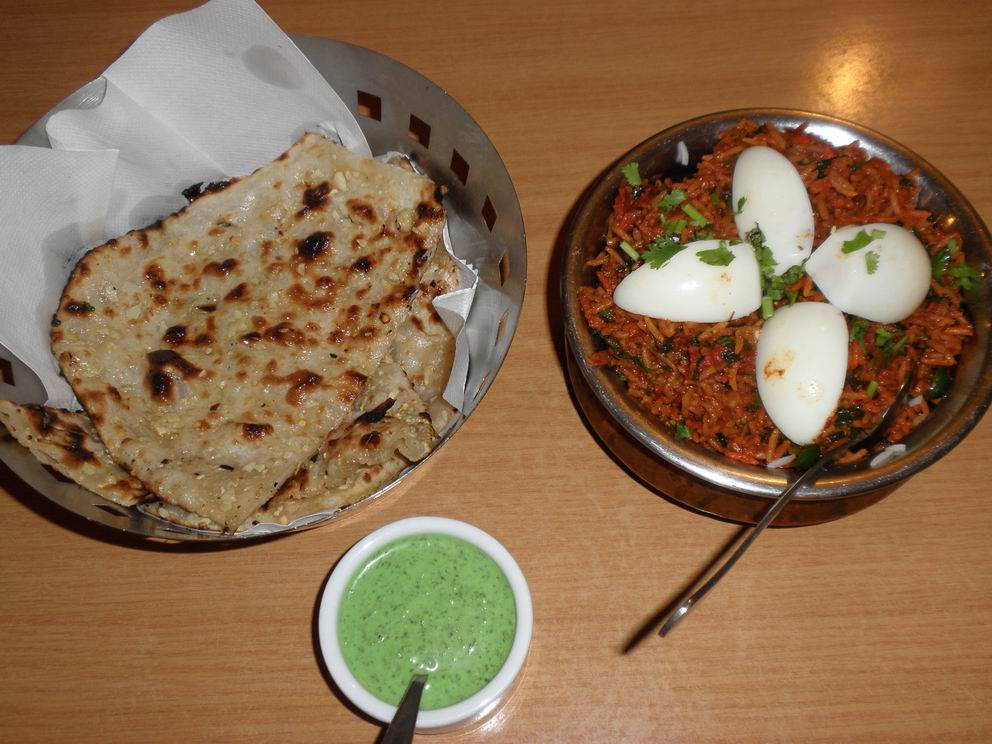 garlic naan and chicken beriani